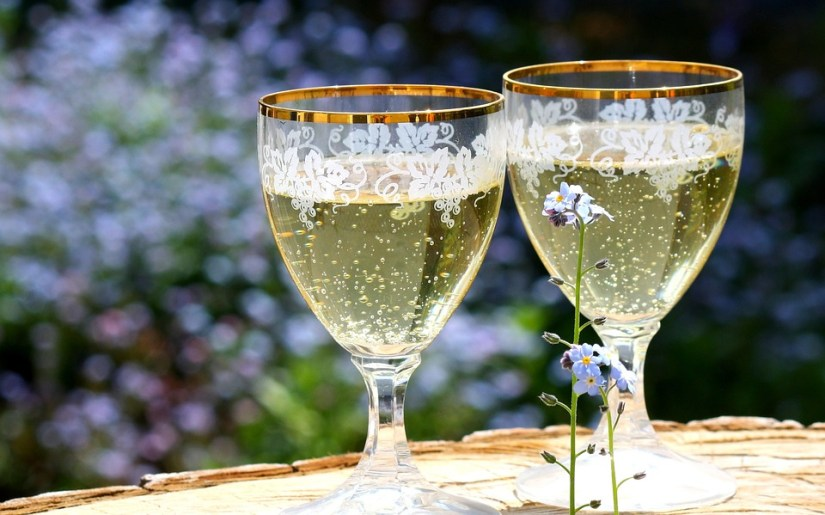 champagne-736773_960_720