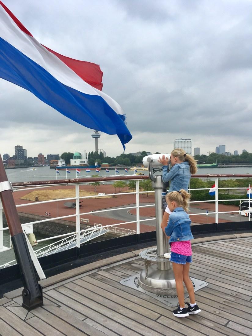 stoomschip-ss-rotterdam-achterdek-puurvangeluk