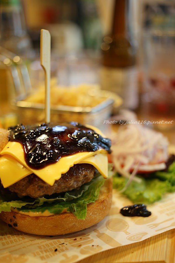 【Fanier chef's burger.費尼主廚漢堡】大安區。忠孝店新開幕!創意.美味.大份量~聚會平價新選擇❤