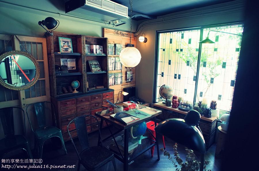 【未艾公寓.閱讀咖啡】台南中西區。正興街美學旅店❤咖啡.旅店.藝廊ALL IN ONE❤