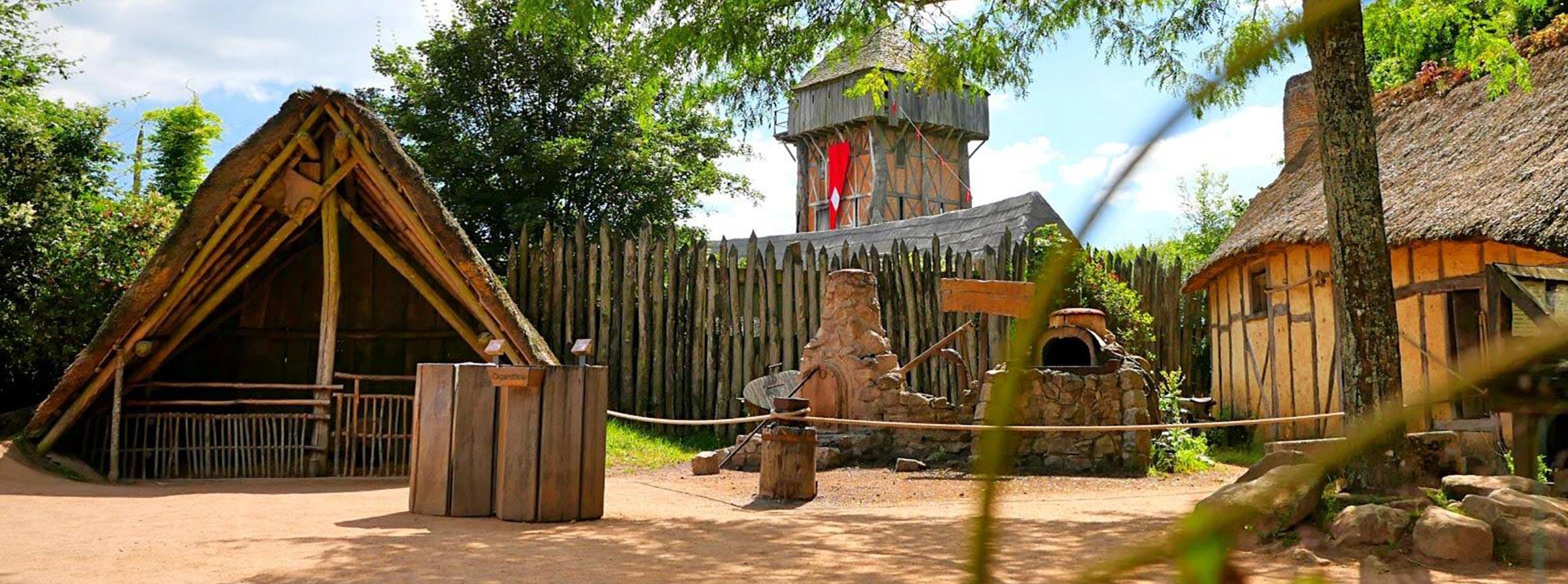 Le Fort de lAn Mil  Puy du Fou