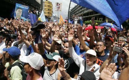 """55% descarta que al prohibir protestas se """"alcance la paz"""""""