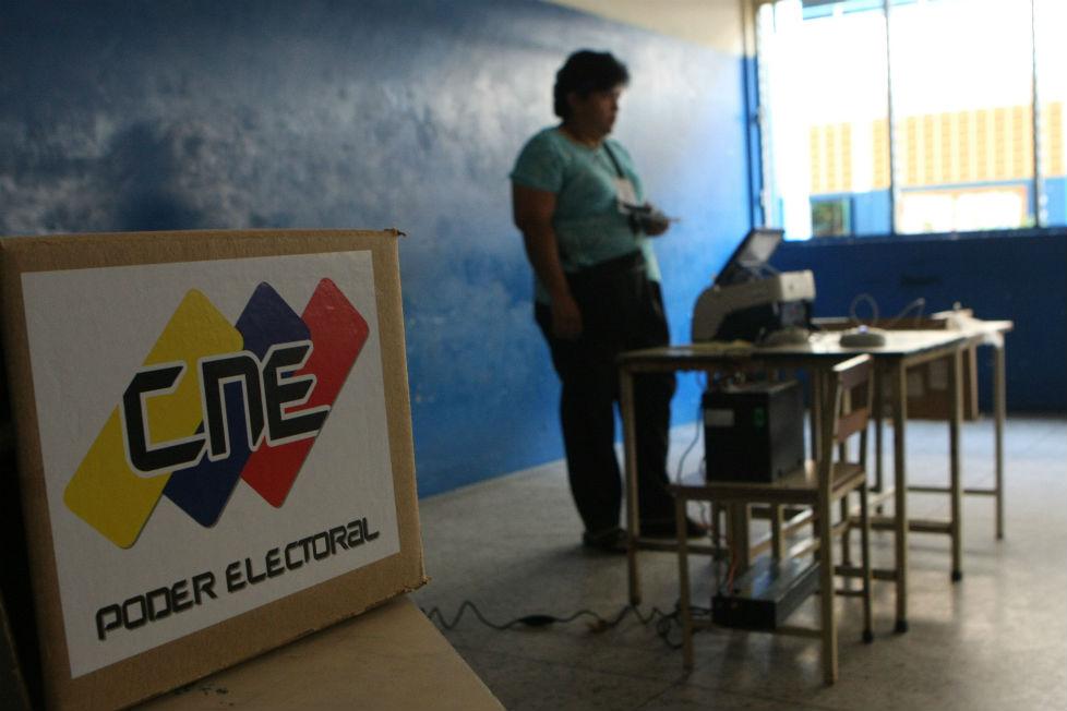 ¿Pueden convocarse elecciones sin partidos de oposición?