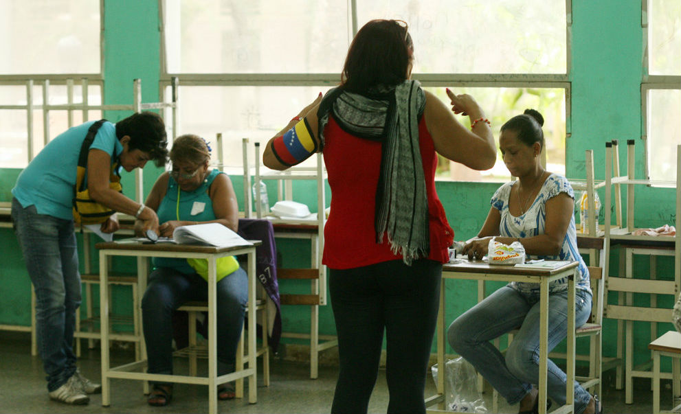 CNE creó centros de votación que tienen por nombre consignas del PSUV
