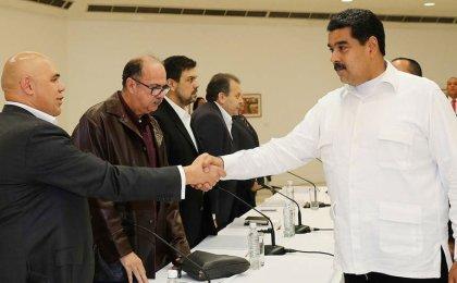 ¿A quién responsabilizan los venezolanos por el incumplimiento en el diálogo?