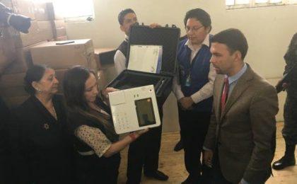 Quién domine los escáneres ópticos ganará la segunda vuelta en Ecuador