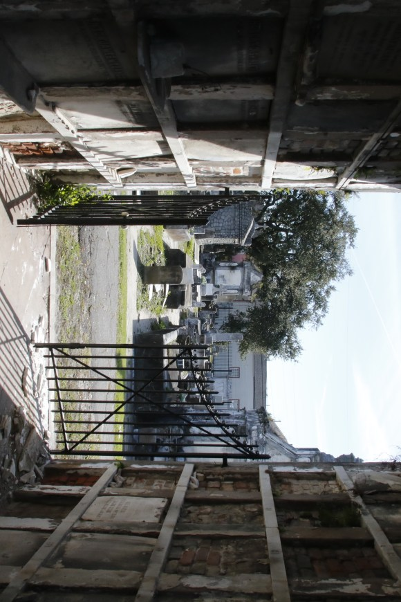 Lafayette Cemetery 2 Puzzle Box Horror images inside a tomb