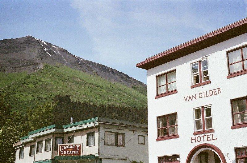 Van Gilder Hotel & Liberty Theater