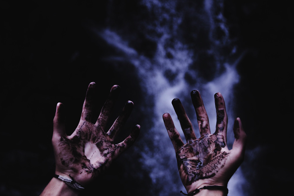 Dark Magic - Black Goo on Hands