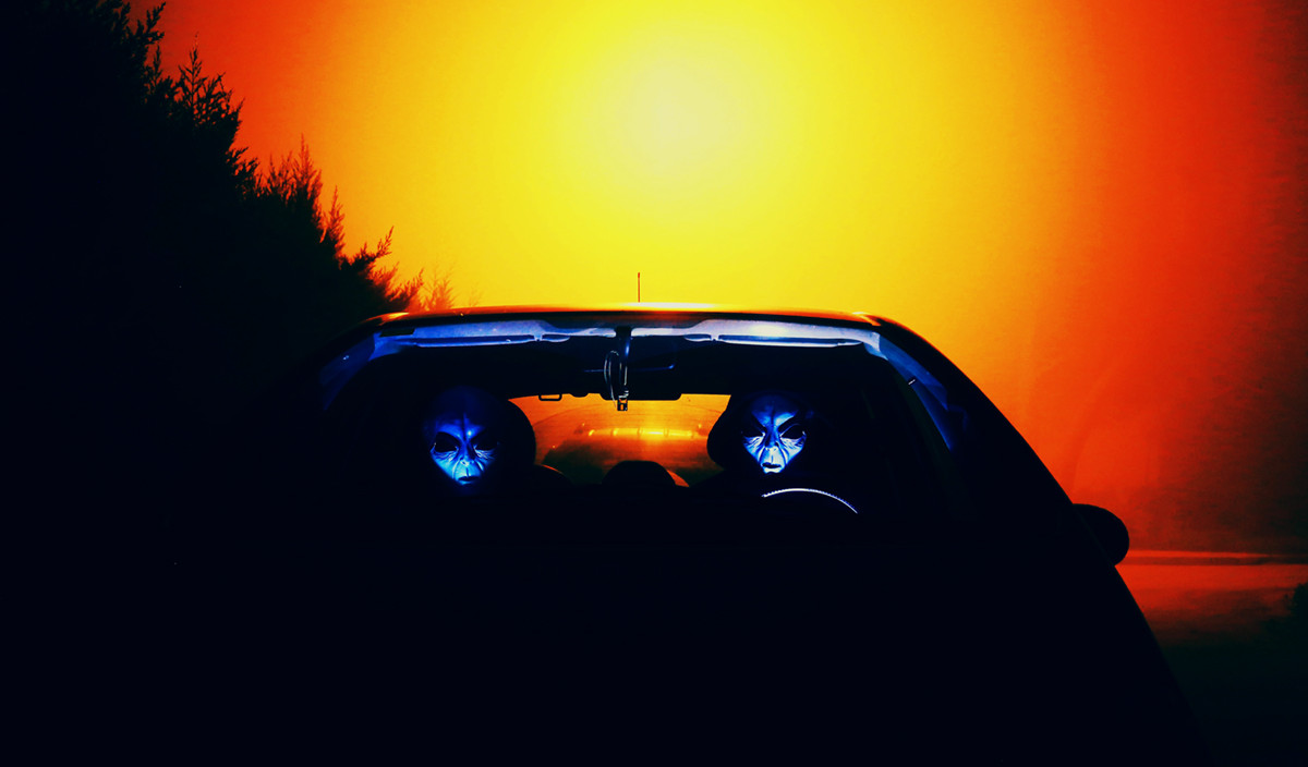 Aliens in a Car