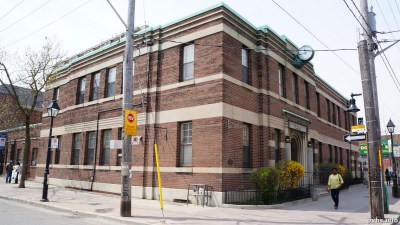 Cowan Ave (79)