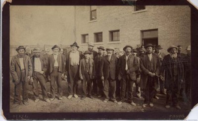 1885 a Louis Riel Government. Hudsons Bay Co had ended and Canada had not signed transfer
