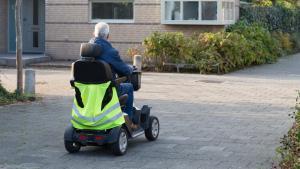 Afbeelding: Zo rijdt u veilig met uw scootmobiel