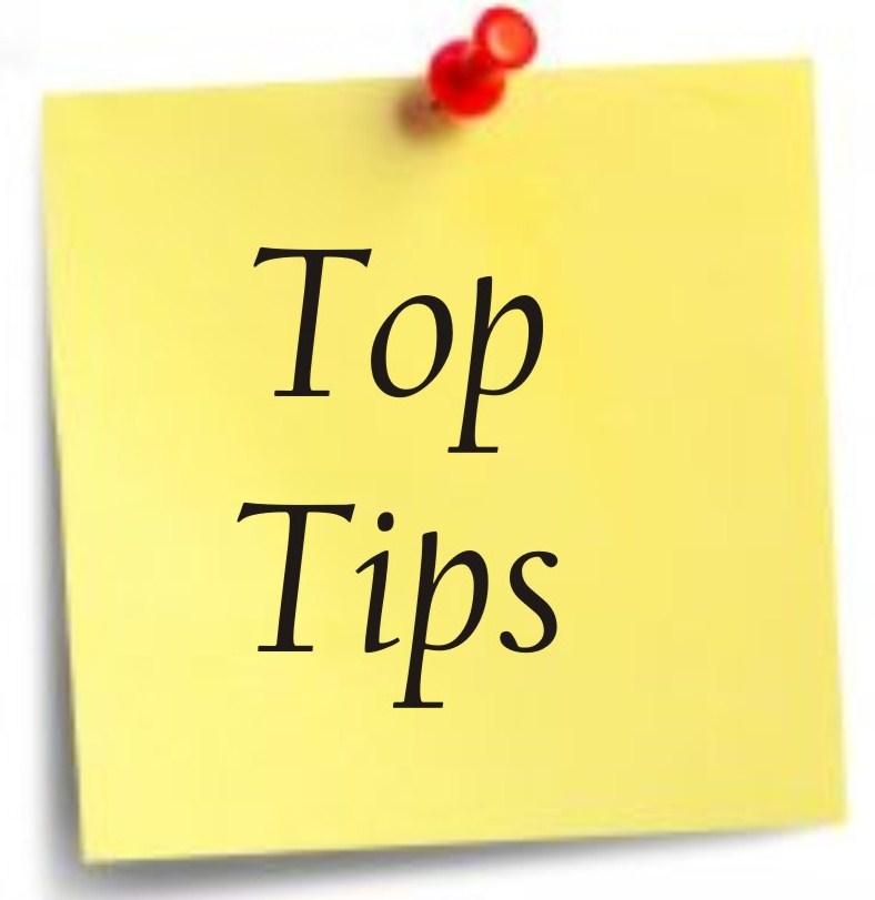 """Afbeelding van een geel notitite vel met de tekst: """"TOP TIPS""""."""