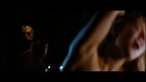 Des jeunes, des boobs, une machette, Jared Padalecki avec trop de cheveux...