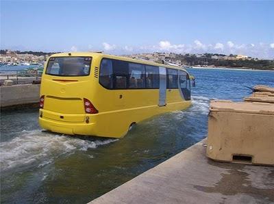 Barco õnibus anfíbio