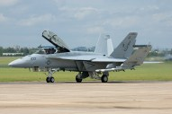 F-18_F_Super_Hornet_01