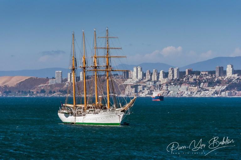 Barquentin de la marine chilienne