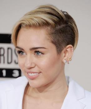 Miley Cyrus perfect face