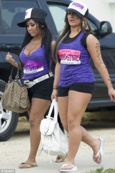Deena and Snooki article-2013812-0CE96A8700000578-35_468x706