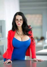 Amy Anderssen is the Perfect Woman 07