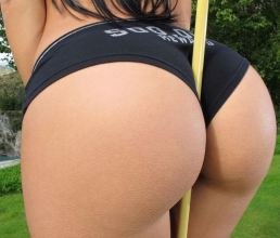 Amy Anderssen is the Perfect Woman 10