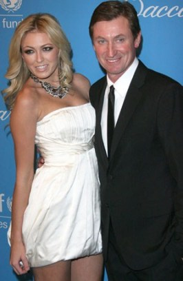 Paulina Gretzky 58ADD730B8657E51A46B5B4C33A9C