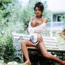 Leanna Scott nude 04