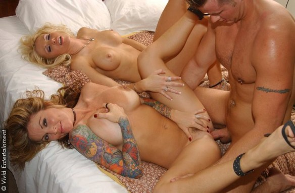 Janine Lindemulder Tawny Roberts GGB threesome in Janine's Got Male  03