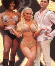 Coco+Austin+performs+Peepshow+stage+show+attends+QUj5BAxA9rkl