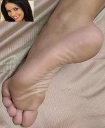 Monica-Mattos-Feet-323531