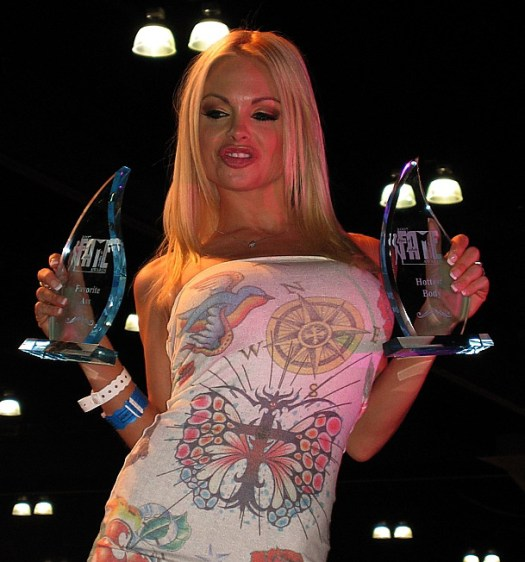 Jesse_Jane_with_FAME_awards_cropped