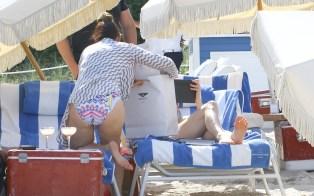 Jennifer-Lopez-Feet-2231433