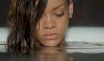 Rihanna stay nude 02
