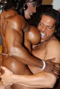 Yvette Bova female bodybuilder 02