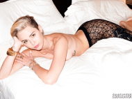 Miley Cyrus topless tits 11