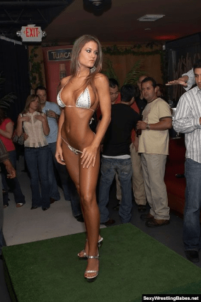 Brooke Tessmacher thong in a bar