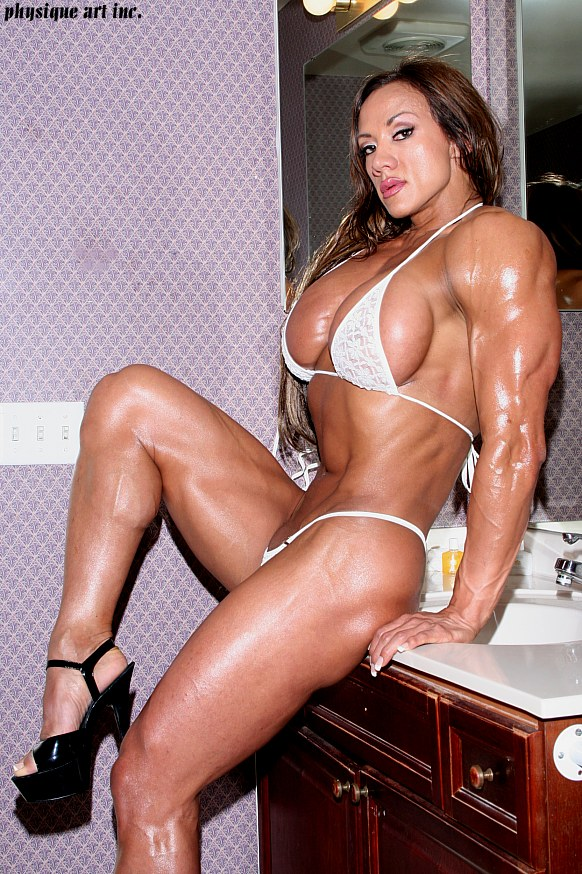 Amber deluca is one sexy muscle amazon woman 9