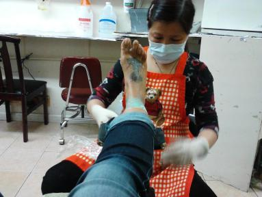 Jasmin-St_-Claire-Feet-tattoo-03