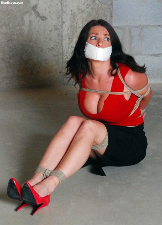 Goldie Blair bondage porn 01