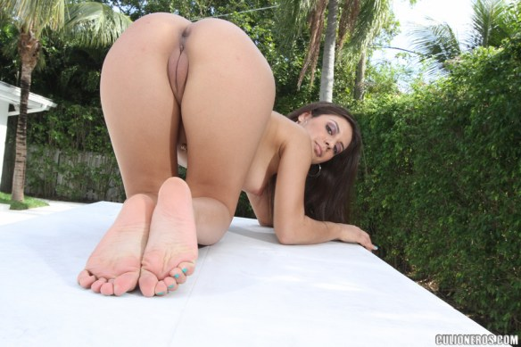 Jynx Maze tight pussy feet soles