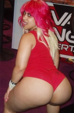pinky_big_ghetto_booty1