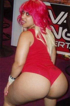 pinky_big_ghetto_booty1