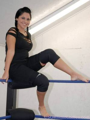 Becky Bayless feet 5