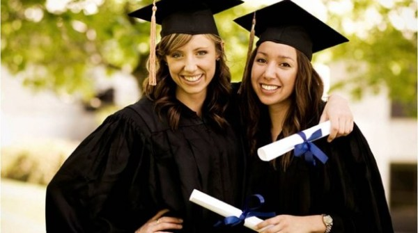 Estudiantes-graduados