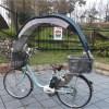 梅雨対策!雨の日の自転車便利グッズ 傘スタンド『さすべえ』は違反なのか?自転車につける屋根が売れはじめている理由