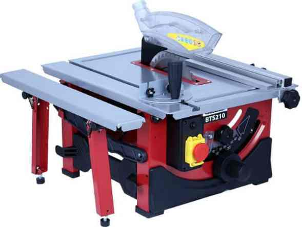 This machine from Lumberjack is a great option for some few good reasons; when working on a budget, when space is an issue, and when mobility would be an advantage. As such, we find it an excellent option for simple home DIY woodworking tasks.