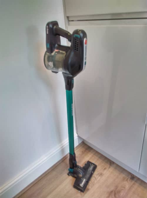 Hoover H FREE HFCPT review - stands upright on its own
