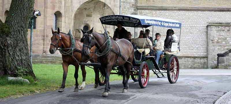 Kutsche vor der Kaiserpfalz in Goslar