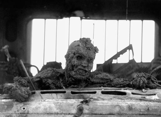 Soldat irakien vitrifié, photo prise en avril 1991 par Kenneth Jarecke
